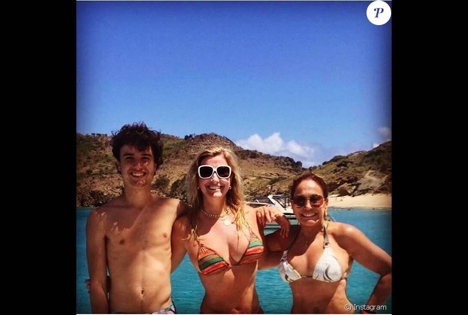 Susana Vieira viajou para o Caribe curtir as férias após o final da novela 'A Regra do Jogo'