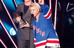 Justin Bieber dança com fã no iHeartRadio Music Awards 2016. Vídeo!