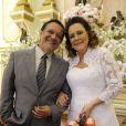 Atílio (Luis Melo) já era casado e se tornou bígamo ao contrair matrimônio com Márcia (Elizabeth Savala), em 'Amor à Vida'