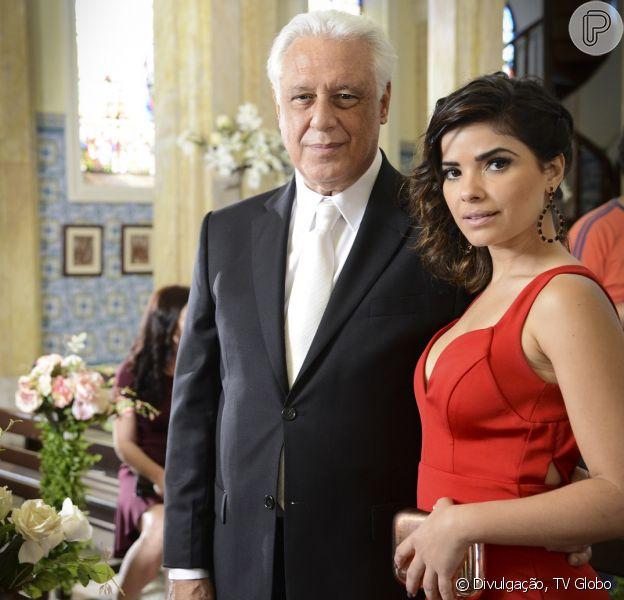 Aline (Vanessa Giácomo) convence César (Antonio Fagundes) a se casar com ela, em 'Amor à Vida', em 19 de outubro de 2013