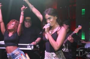 Anitta faz show em São Paulo e recebe fãs com seu nome tatuado nas costas