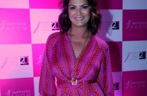 Luiza Brunet brilha em lançamento de ação contra o câncer de mama