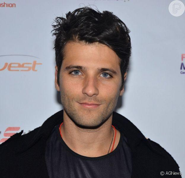 Bruno Gagliasso está feliz com o seu primeiro protagonista na TV. O ator de 'Joia Rara' conversou com o jornal 'O Dia' em 13 de outubro de 2013