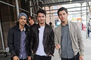 Jonas Brothers cancela turnê por causa de vício em drogas de Joe Jonas