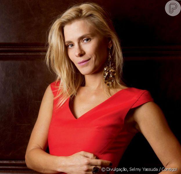 Carolina Dieckmann disse que se sente melhor que há dez anos atrás, em entrevista à revista 'Contigo!', que chegou às bancas nesta quarta-feira, 16 de outubro de 2013