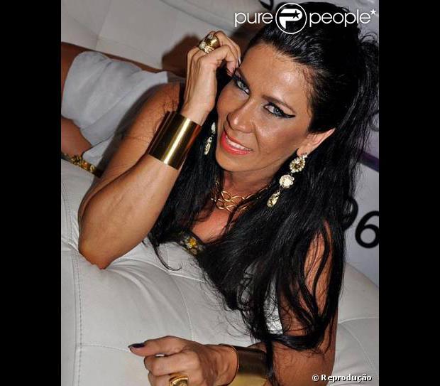 Denize Taccto, ex-mulher de Gerson Brenner, via posar nua para edição de dezembro da revista 'Sexy'