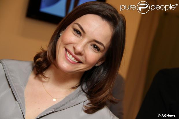 Regiane Alves está grávida de três meses e meio do marido, o cinegrafista João Gomez, segundo notícia divulgada nesta segunda-feira, 21 de outubro de 2013