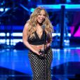 Mariah Carey mostra barriguinha avantajada em evento nos EUA