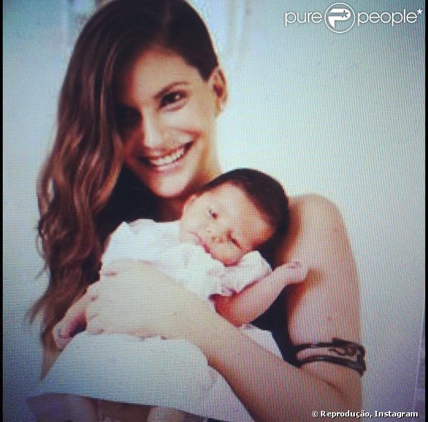 95a885528 Carol Francischini mostra sua Valentina ao mundo em seu Instagram