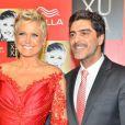 Xuxa está namorando o ator Junno Andrade, com quem não descarta, inclusive, a possibilidade de ter um filho. 'Um filho aos 50 anos, só se Deus mandar, né?', disse Xuxa ao Purepeople com bom humor