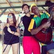 Susana Vieira curte férias na Jamaica e posta foto com pernas de fora