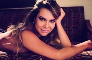 Fernanda Souza posa de lingerie e diz que não tem medo de expor seu namoro