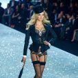 Lily Donaldson no  Victoria's Secret Fashion Show