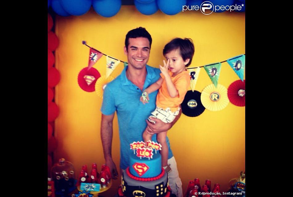 Sidney Sampaio faz festa para o filho, Leonardo, que completa 3 anos de idade no dia 24 de novembro