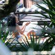 A cantora Solange Knowles curtiu a tarde na piscina em Santa Teresa, nesta quinta-feira, 21 de novembro de 2013