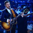 Justin Timberlake canta a música 'Drink You Away'
