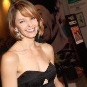 Bianca Rinaldi exibe o novo visual para novela 'Em Família' em estreia de peça