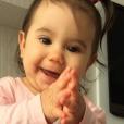 Depois de cumprir a licença-maternidade, a artista voltou aos trabalhos como a personagem Tânia na novela 'Malhação', mesmo estando feliz pela volta à TV, Deborah conta que não está sendo fácil conciliar a carreira de atriz e ser mãe de uma bebê, que ocupa maior parte do seu tempo