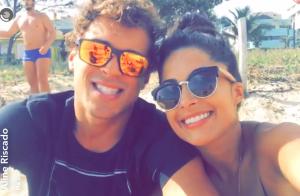 Aline Riscado e Felipe Roque treinam funcional com personal em praia: 'Animação'