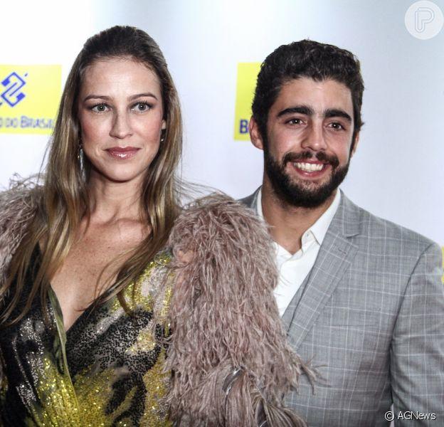 Pedro Scooby, em crise no casamento, revela desejo de ficar com Luana Piovani até o resto da vida, em entrevista na revista 'Caras' divulgada nesta 31 de agosto de 2016