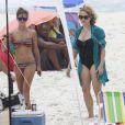 Fernanda de Freitas e Letícia Isnard são flagradas em gravação na praia