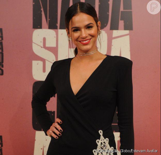 Bruna Marquezine usou tapa-sexo para gravar cenas de nudez da série 'Nada Será como Antes': 'Mais confortável'