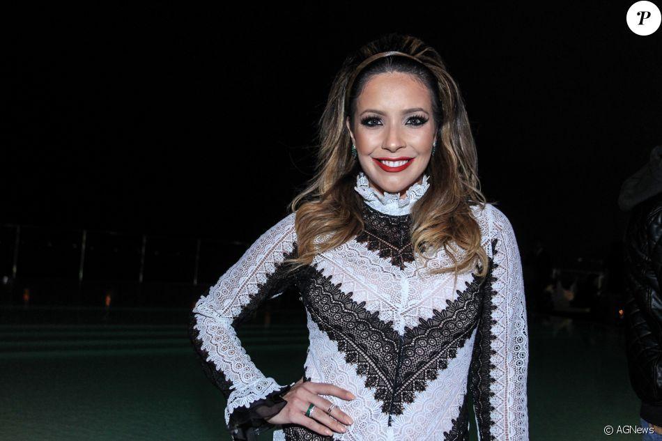 1f94b7ec7 Renata Domínguez estava solteira desde o término do casamento com o diretor  Edson Spinello