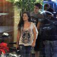 A atriz Lívian Aragão e o namorado, o também ator, Nicolas Prattes, vão ao cinema no shopping Rio Design Barra, na Barra da Tijuca Zona Oeste do Rio de Janeiro,   nesta quarta-feira, 11 de dezembro de 2013