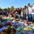 Local em que Paul Walker faleceu em 30 de novembro de 2013, com homenagens dos fãs