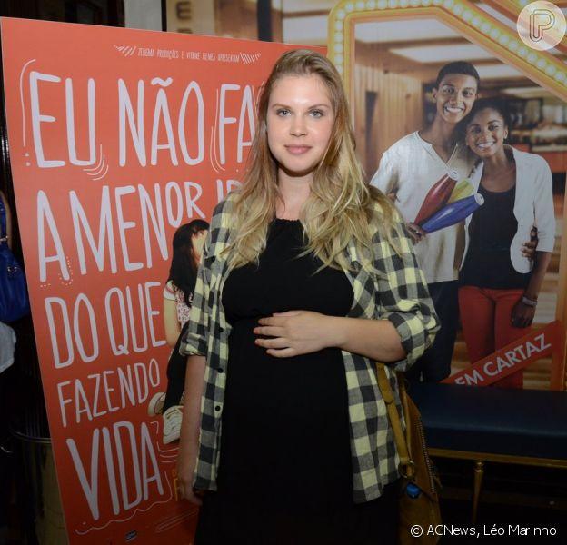 Carolinie Figueiredo prestigiou a pré-estreia filme 'Eu não faço a menor ideia do que eu tô fazendo com a minha vida', no Rio de Janeiro, em 17 de dezembro de 2013
