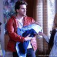 Após pedir um exame de DNA, Niko vai descobrir que é o verdadeiro pai de Fabrício em 'Amor à Vida'