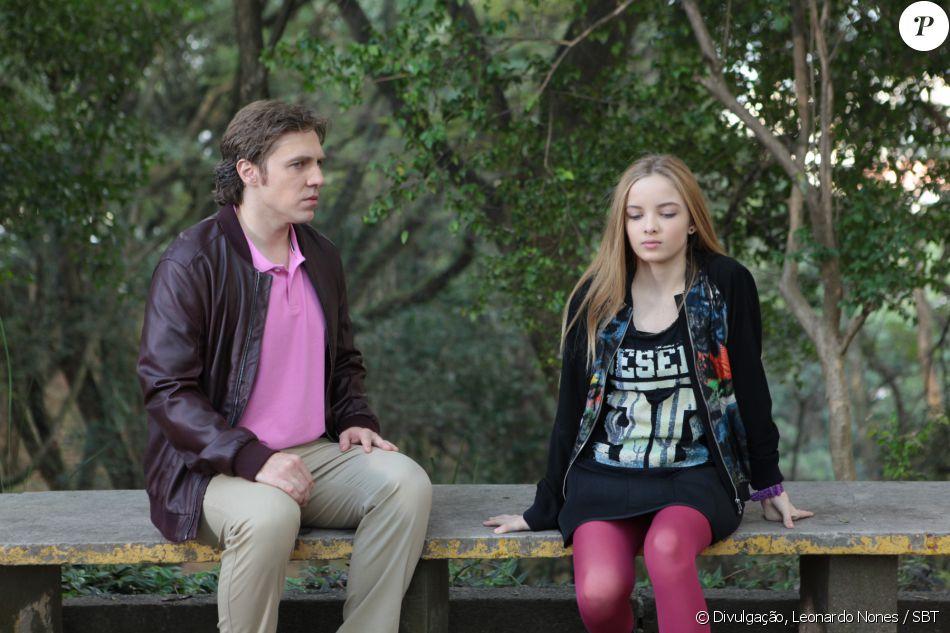 Depois de encontrar Geraldo (Nando Pradho) no galpão, Priscila (Giovanna Chaves) fica decepcionada, diz não querer vê-lo mais e, depois, o denúncia à polícia, na novela 'Cúmplices de um Resgate'