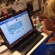 Xuxa alimenta quase que diariamente o seu Facebook. Para a apresentadora, uma forma de ficar em contato direto com seus fãs