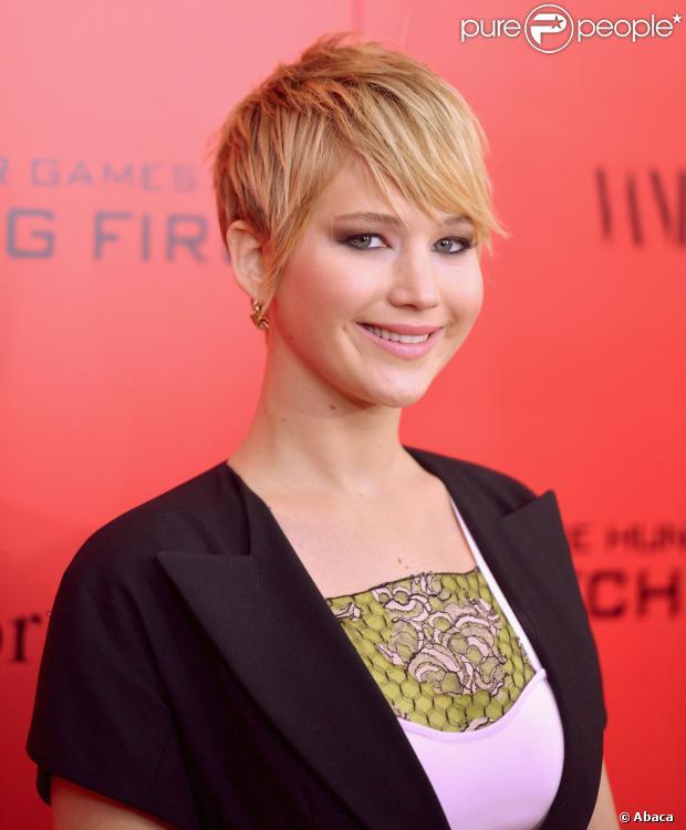 Jennifer Lawrence desbanca Miley Cirus e é eleita o nome da indústria do entretimento em 2013 pela agência Associated Press