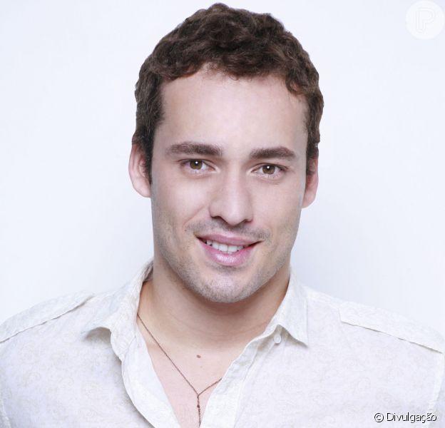 """Aos 30 anos, Rodrigo Andrade investe na carreira de ator e de músico. """"Mas não vou parar de atuar"""", frisa"""