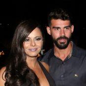 Viviane Araujo admite ter olhado celular do noivo, mas pondera: 'Não é costume'