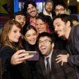 Sophie Charlotte posa com a equipe do filme 'Tamo Junto', lançado no 44º Festival de Gramado