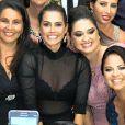 Deborah Secco foi ao lançamento da marca Duzani, em Minas Gerais, e apostou em sutiã rendado e hot pants pretos por baixo do vestido transparente, na noite desta quarta-feira, 7 de dezembro de 2016