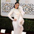 Paula Pattonusou um vestido da grife Stephane Rolland no Globo de Ouro 2014