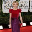 Julie Bowenusou um vestido da grife Carolina Herrera no Globo de Ouro 2014