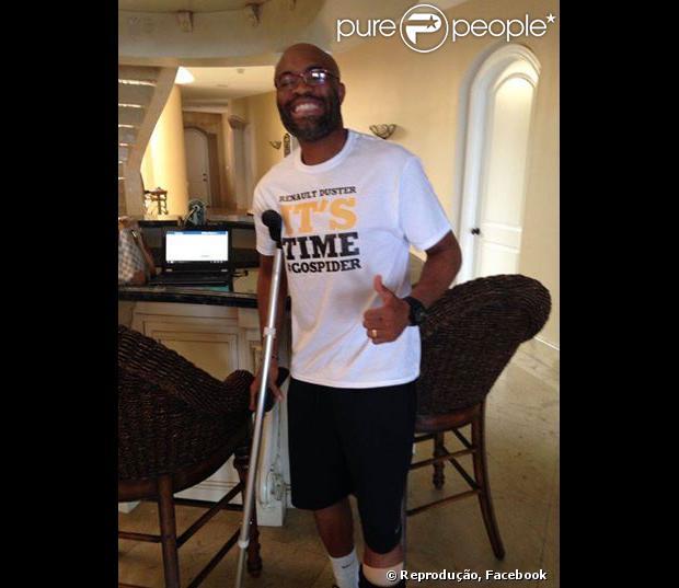 Anderson Silva postou fotos e respondeu à perguntas dos fãs em sua página do Facebook nesta quarta-feira, dia 22 de janeiro de 2014