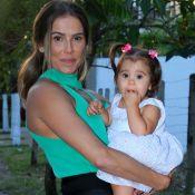 Deborah Secco dá atenção exclusiva à filha três dias na semana: 'Em off pra ela'