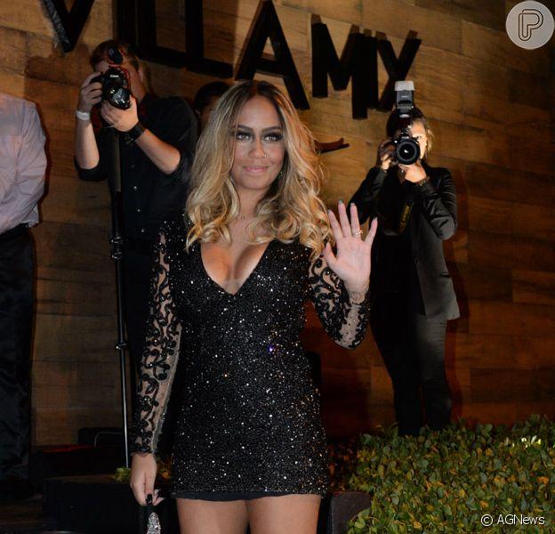 Irmã de Neymar, Rafaella vira piada ao tatuar próprio rosto, como mostrou em foto postada nesta quarta-feira, dia 25 de janeiro de 2017