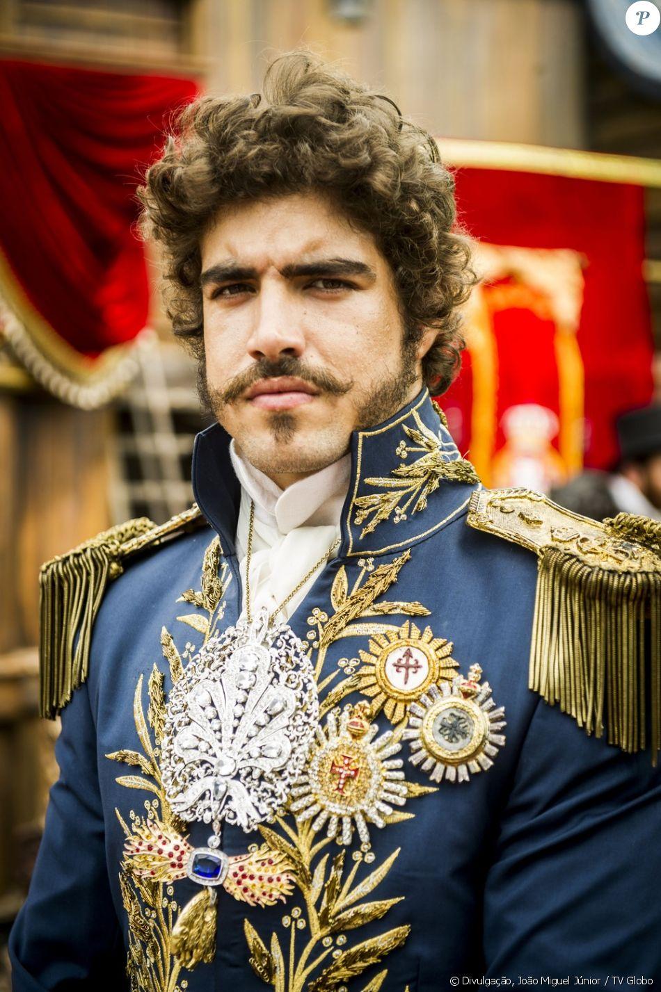 Caio Castro será o mulherengo Dom Pedro I  e se envolverá com muitas mulheres - três delas em especial - na novela 'Novo Mundo', com estreia prevista para março de 2017