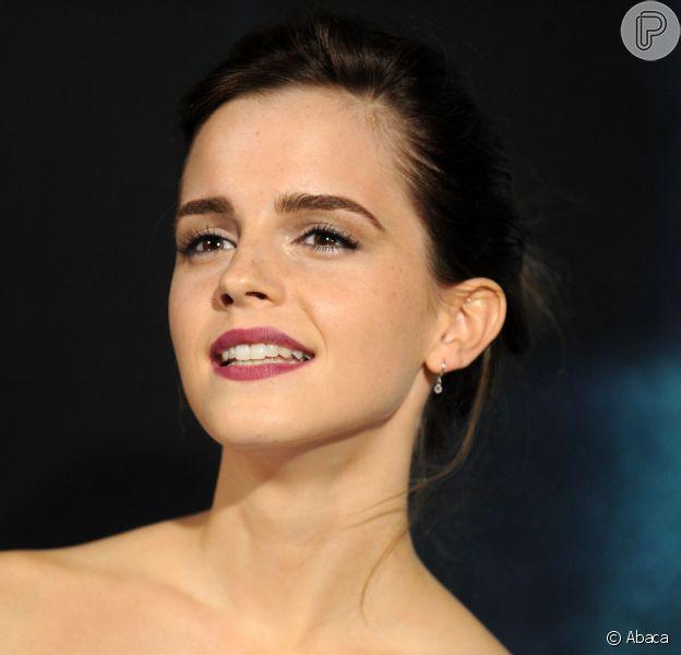Em declaração à uma revista britânica, a autora da saga Harry Potter se desculpou com fãs e disse que Hermione (Emma Watson) deveria ter se casado com o protagonista e não com o amigo Rony (Rupert Grint)