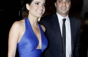 Vanessa Giácomo ousa no decote em casamento na companhia do novo namorado