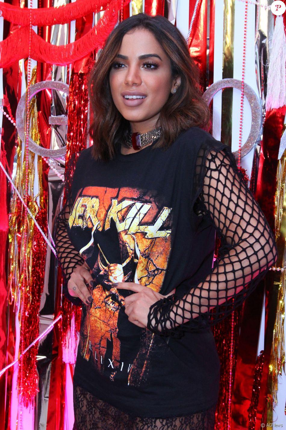 Anitta minimizou o fato de ter sido barrada pela produção do Rock in Rio: 'Não estou com raiva. O dono do evento contrata quem ele gosta'