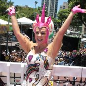 Carla Perez reclama ao levar multa por música alta em bloco infantil: 'Injusto'