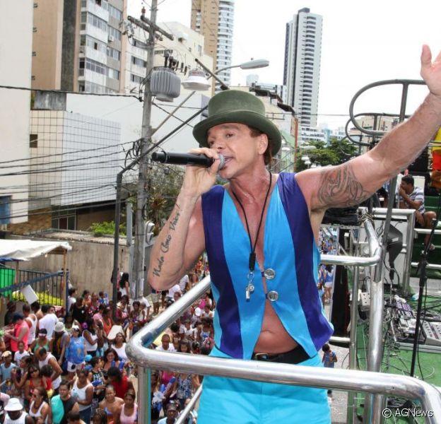 Após quatro meses internado, Netinho volta oficialmente aos palcos ainda neste mês