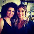 Grazi Massafera posa com a cantora Julia Bosco